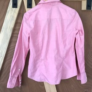 J. Crew Tops - J. Crew Classic Oxford in pink💫 Slim fit ✨ Large